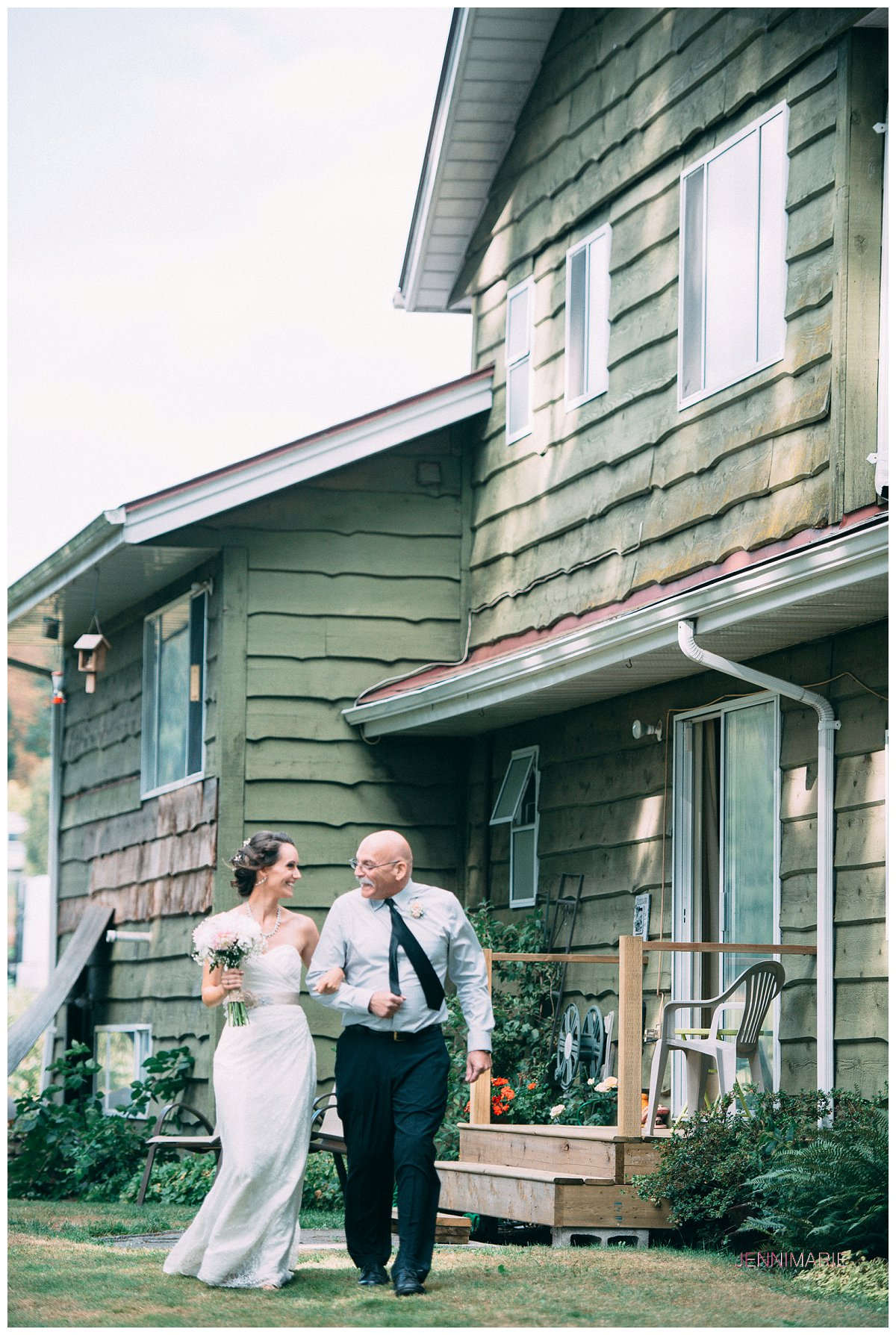 abbotsford_backyard_wedding (25)