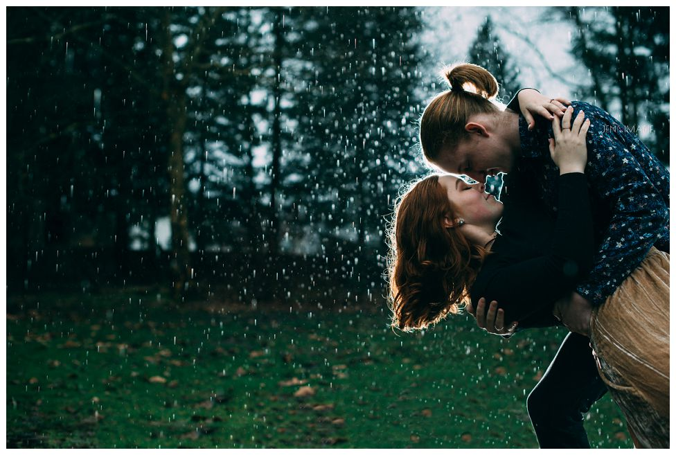 rainy day engagement photos