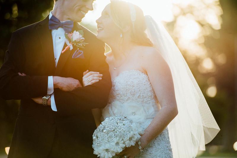 monochromatic Biedermeier bridal bouquet