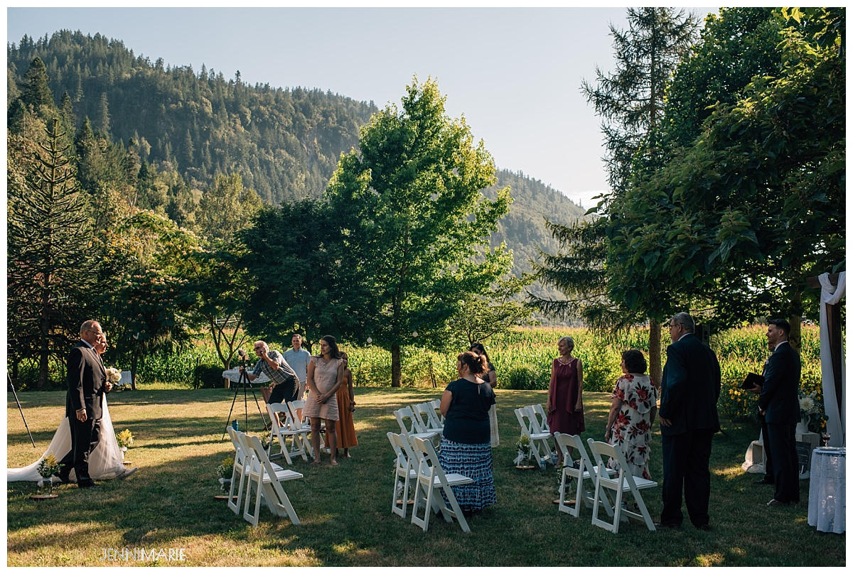 backyard elopement abbotsford (15)